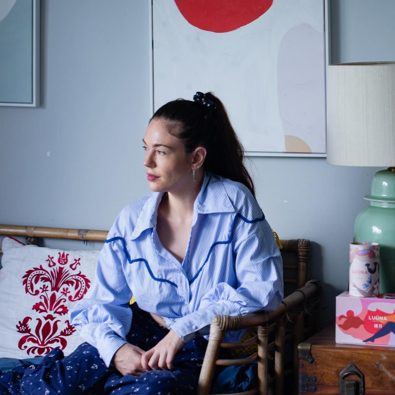 Olivia Cotes-James of LUÜNA naturals relaxes at home