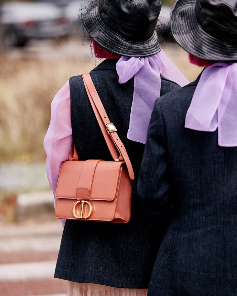 A romantic-style investment handbag